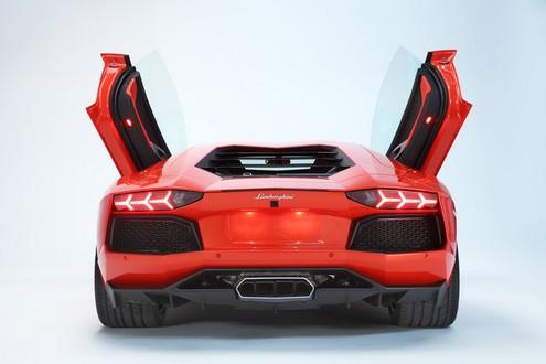 Lamborghini Aventador LP700 6 Back View